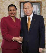 Graça Machel et Ban Ki-moon. Copyrights: UN Photo