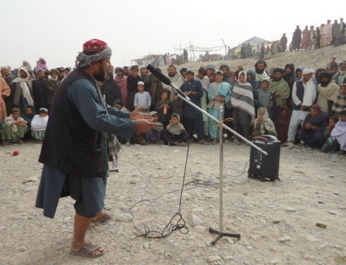 Afghanistan: Street Theatre in Kandahar Promotes the Rights of Children in Armed Conflict